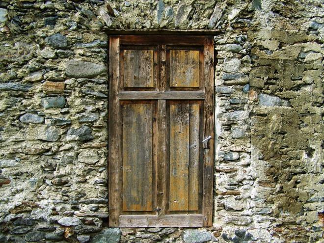 old-door-1023051_960_720.jpg